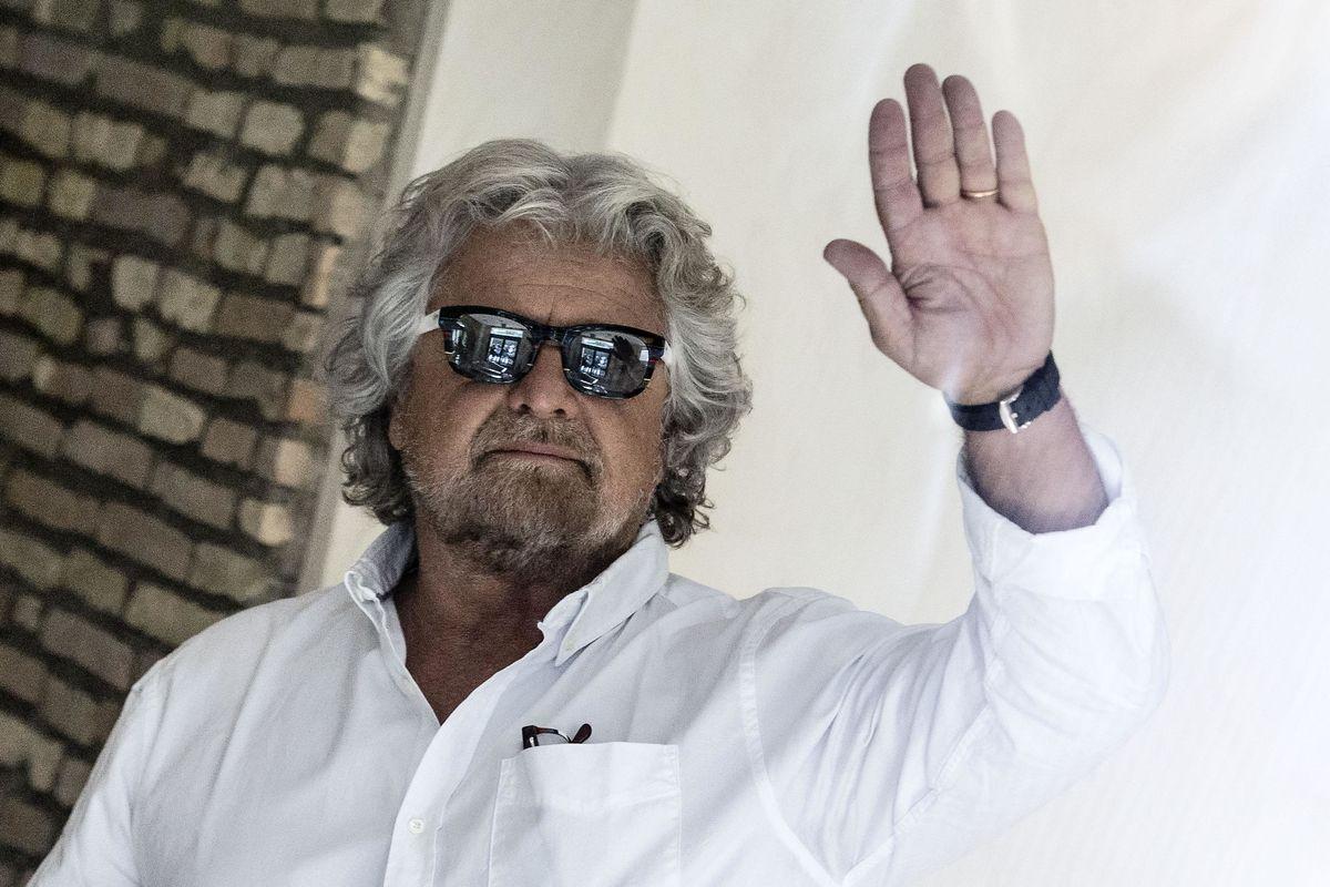 Grillo sembra Monti: «Ministri solo tecnici»