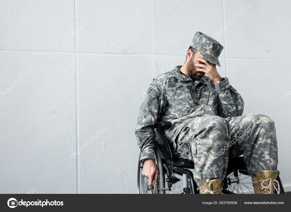 15 terrible military stock photos we can point and laugh at