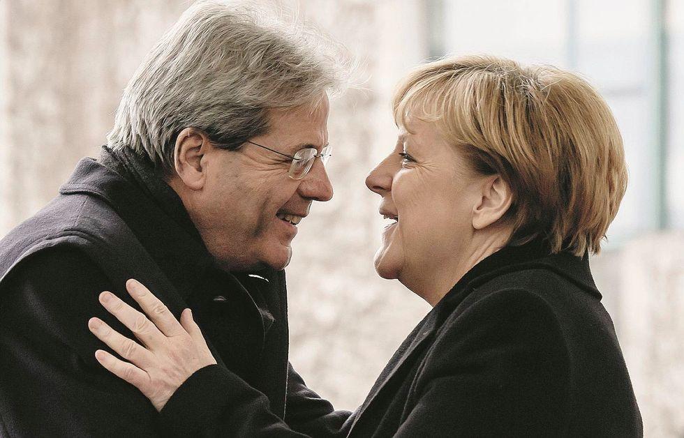 La Merkel chiama, i dem eseguono: «Fate il governo contro i sovranisti»