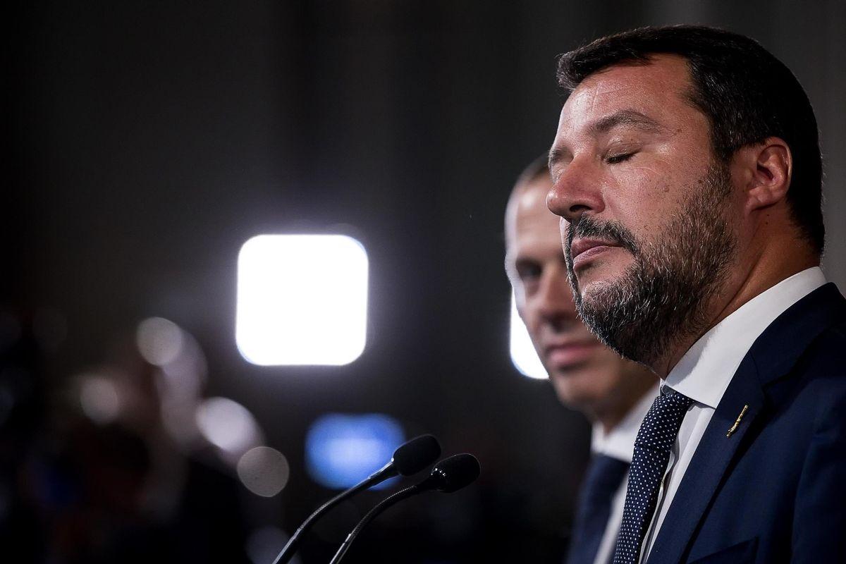 Salvini il giorno dopo la caduta è già indagato per Carola Rackete