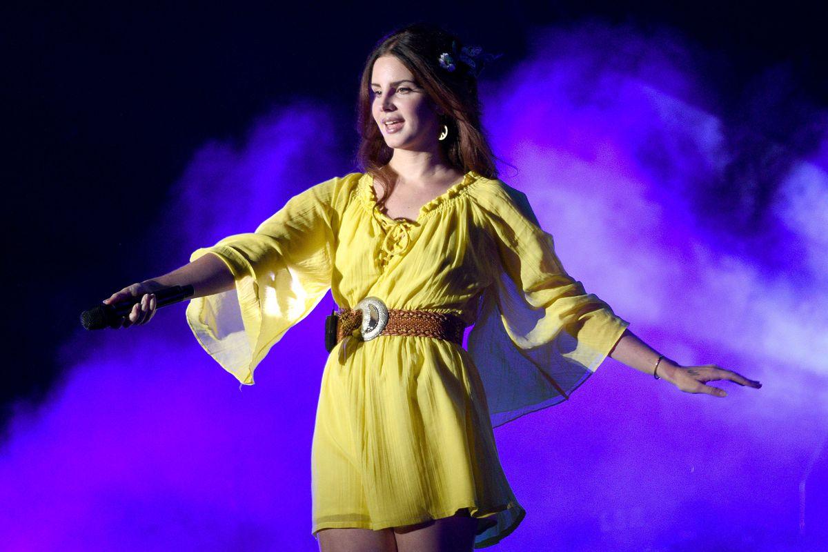 Lana Del Rey Is Queen of the Livestream