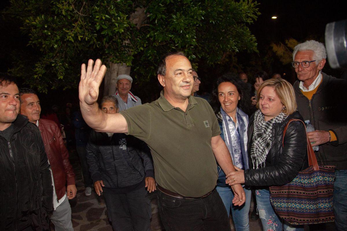 Lucano torna a Riace: «Per gli immigrati»