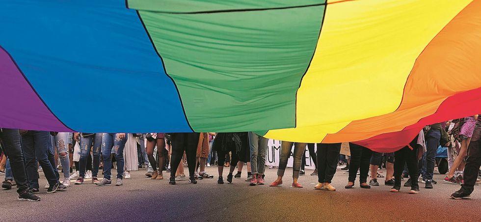 Fiumi di soldi per manifestazioni gay. Solo a Napoli speso 1 milione di euro