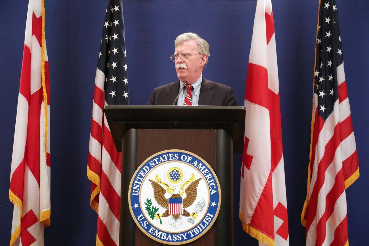 Trump silura Bolton che voleva la guerra in Venezuela