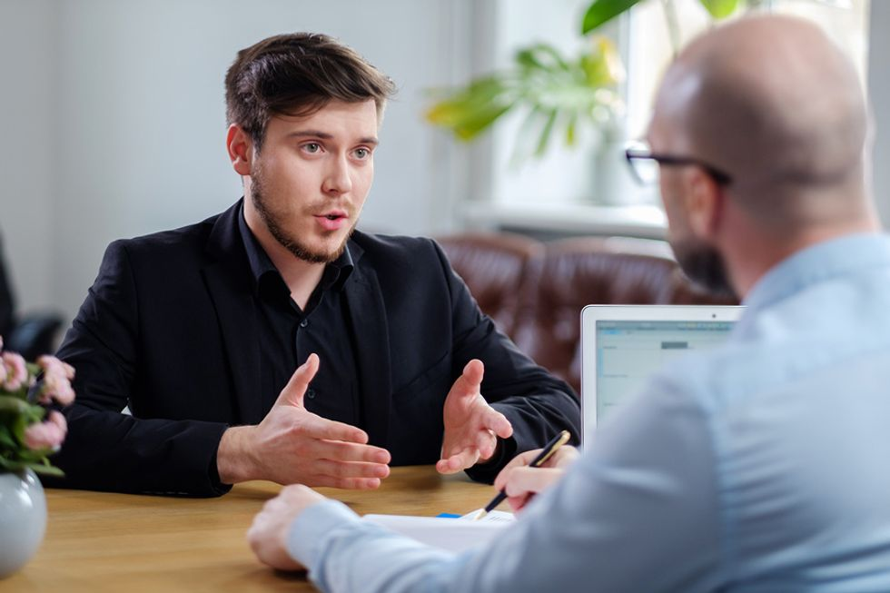 Job candidate not appearing overconfident in an interview