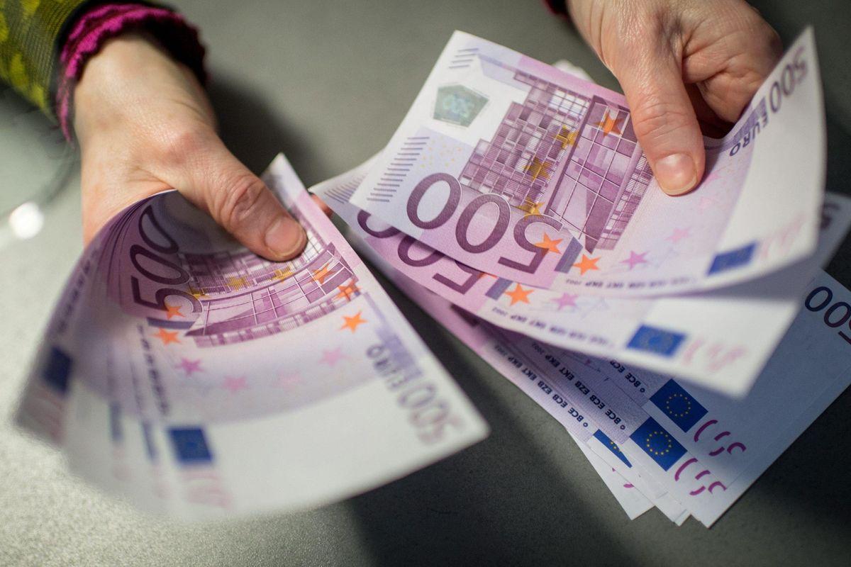 La battaglia contro il contante farà la guerra agli italiani