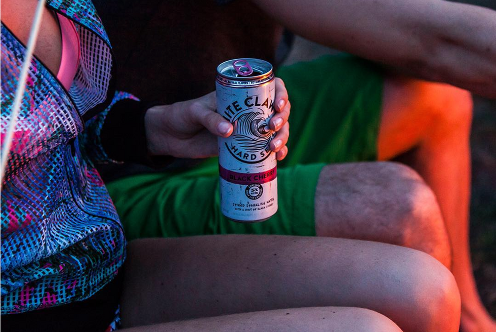 10 Things Every Basic College Girl Drinking White Claws Should Drink INSTEAD