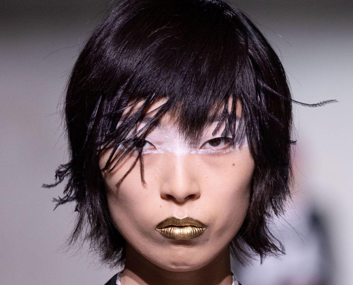 The Makeup At Dries Van Noten Was 'Black Swan'-Chic