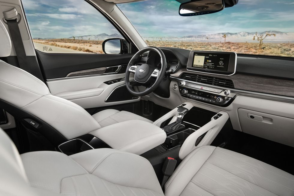 2020 Kia Telluride front seats dashboard center console touch screen infotainment