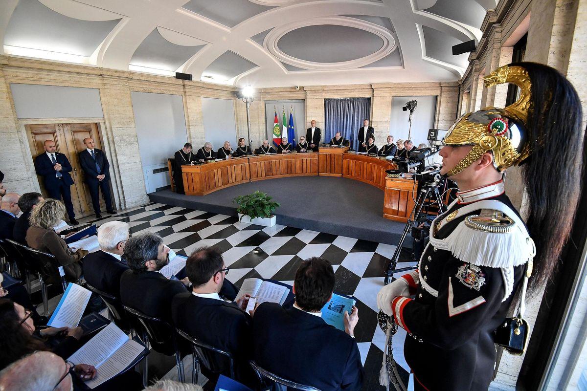 Quindici Eletti decidono per tutti gli italiani