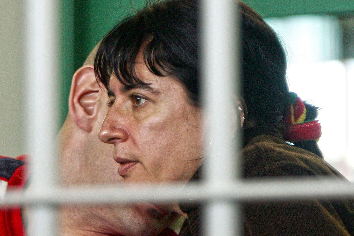 Lo Stato mantiene la brigatista per una legge fatta dal governo Renzi