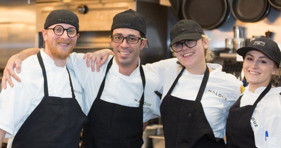 El equipo culinario de Malouf posa para una foto