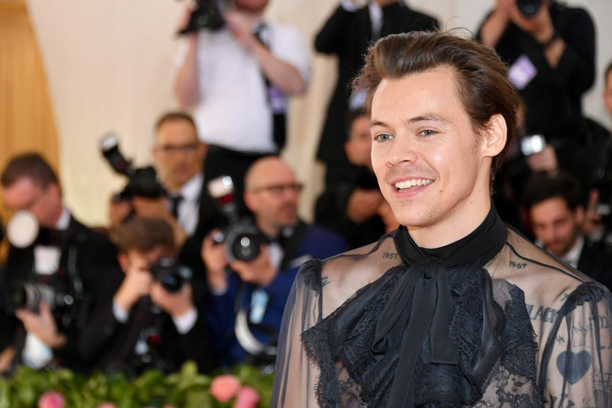 Harry Styles Has the Internet Freaking Out