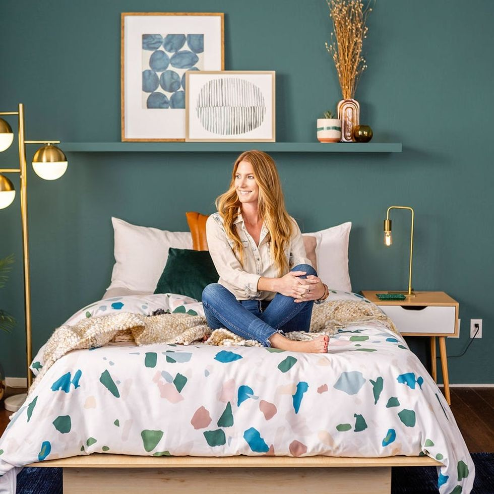 How to Pull Off Bold Blues and Deep Greens in One Gorgeous Room