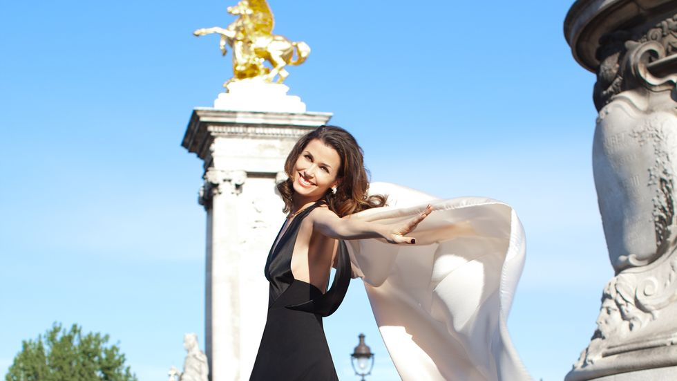 Bridget Moynahan in Paris