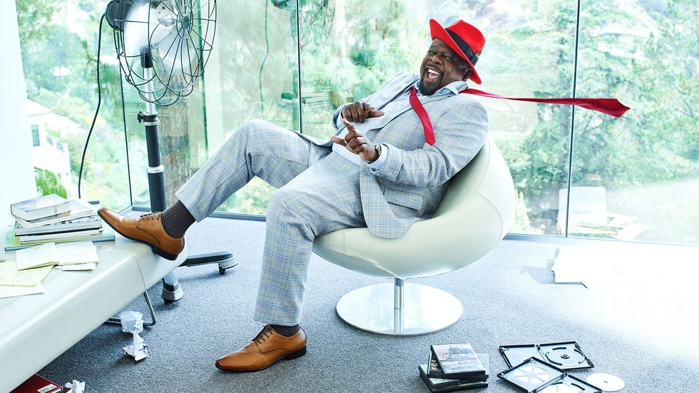 Cedric the Entertainer gray plaid suit red hat red tie