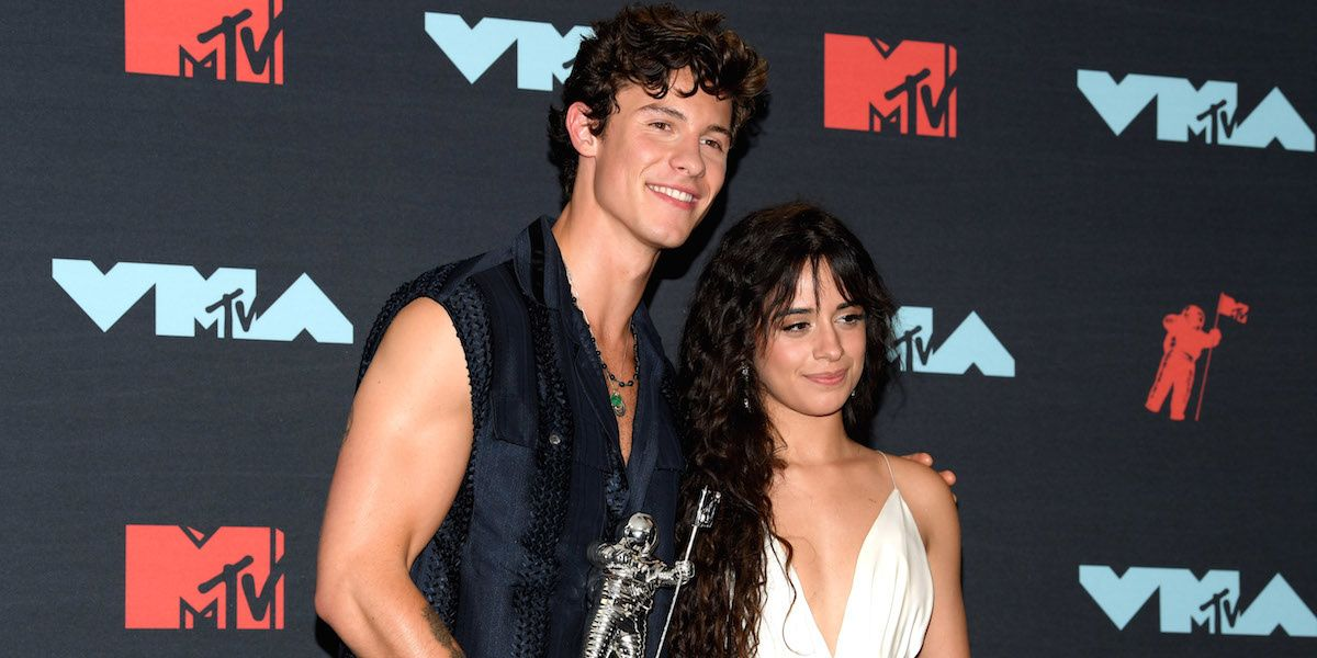 This Video Of Shawn Mendes And Camila Cabello Kissing Can't Be Unseen