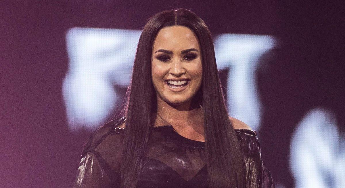 Demi Lovato Joins Billie Eilish In The Slime Green Hair Trend