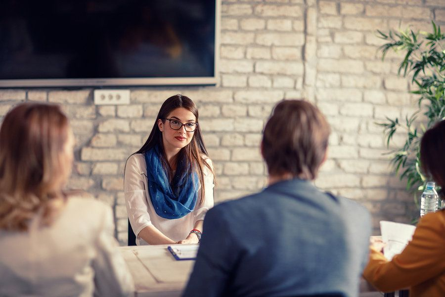 Job candidate uses tips for introverts during an interview