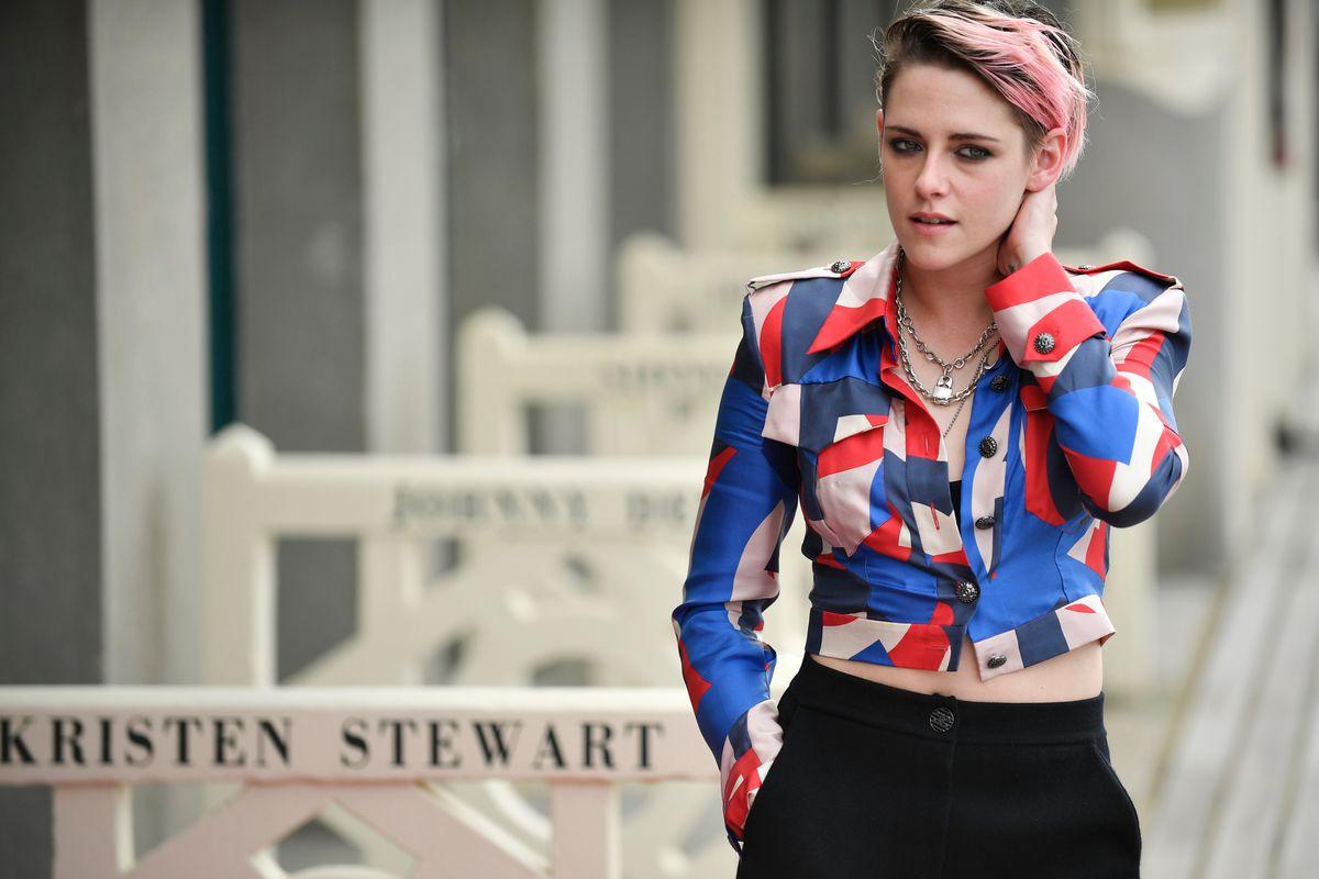 Kristen Stewart Dyed Her Hair Pink
