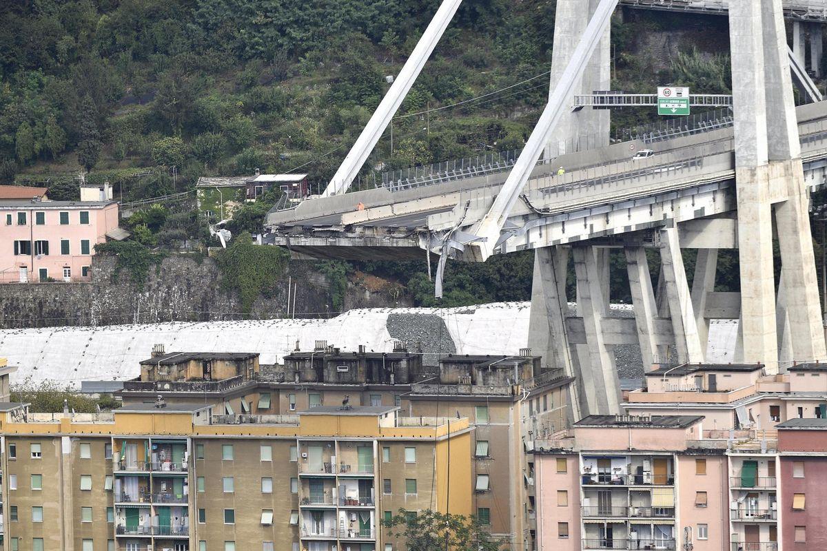 Anche dopo il crollo del Morandi continuavano a falsificare i report