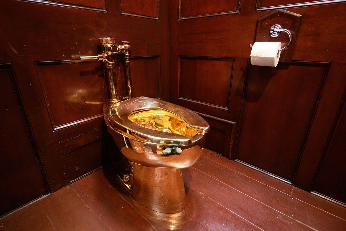 Solid Gold Toilet Gets Stolen