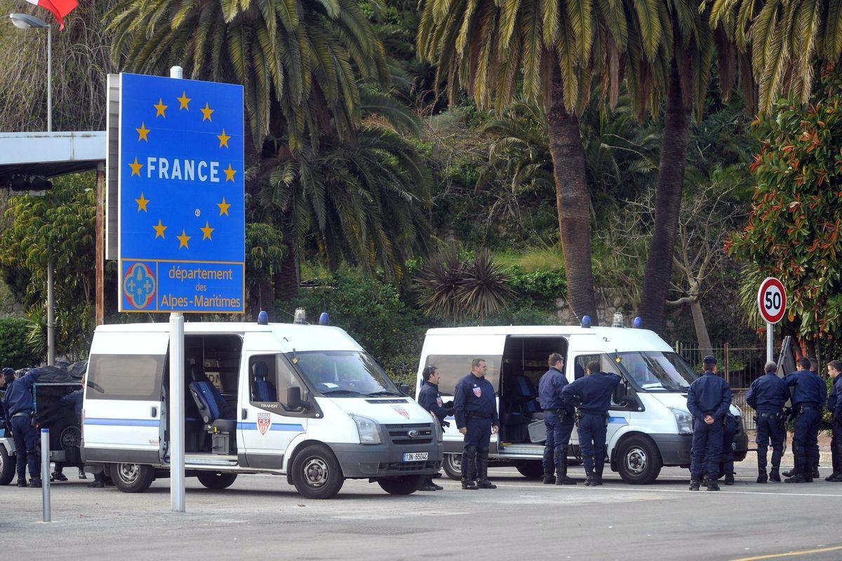 I francesi continuano a rastrellare i migranti per spedirli a Ventimiglia