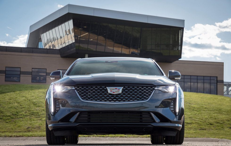 2020 Cadillac CT4 Premium Luxury face front exterior grille headlights LED