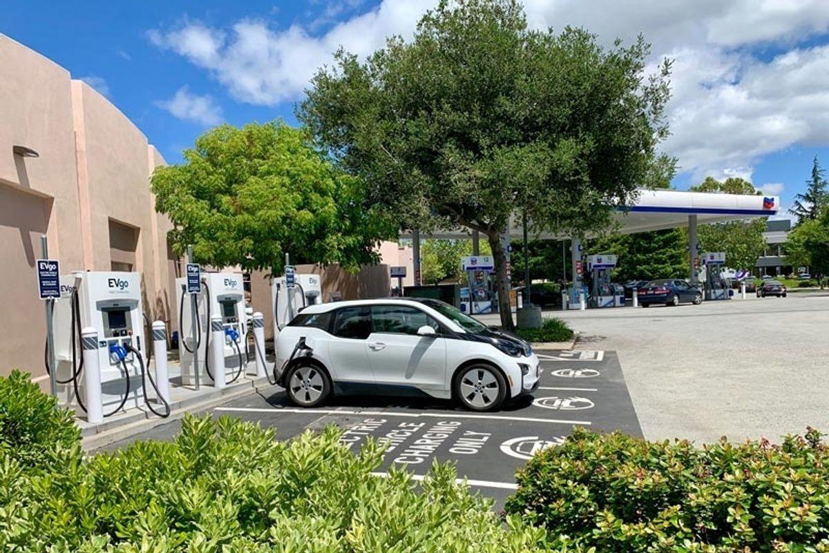 Nissan EVgo Chargers BMW i3