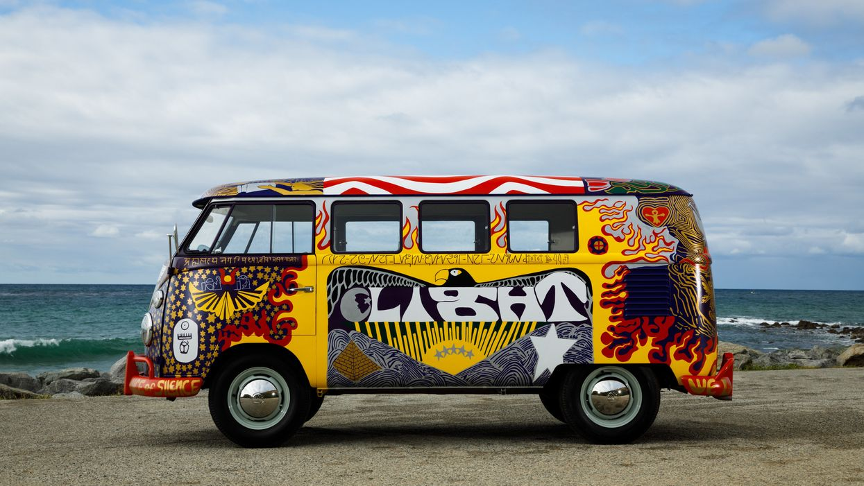 Volkswagen Light Bus Replica Woodstock 1969
