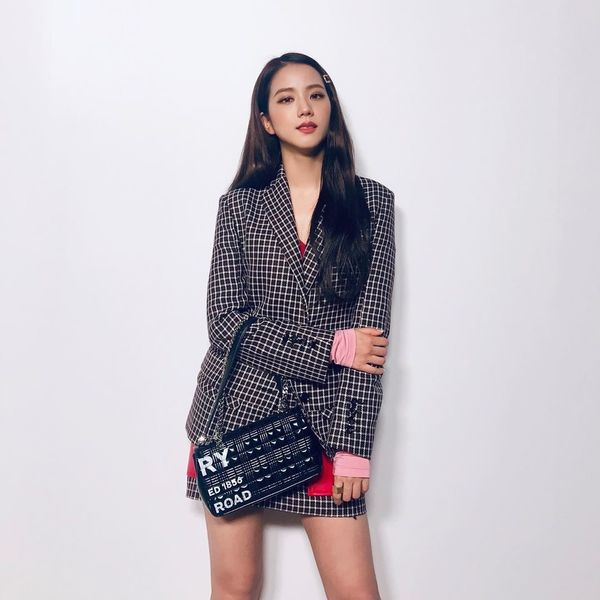 Jisoo Makes First Fashion Month Appearance at Burberry