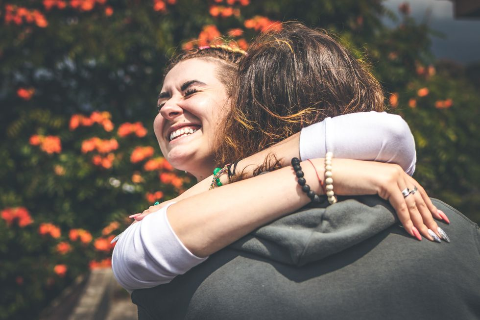 10 Serious Red Flags That Are Keeping You From The 10/10 Relationship You Deserve
