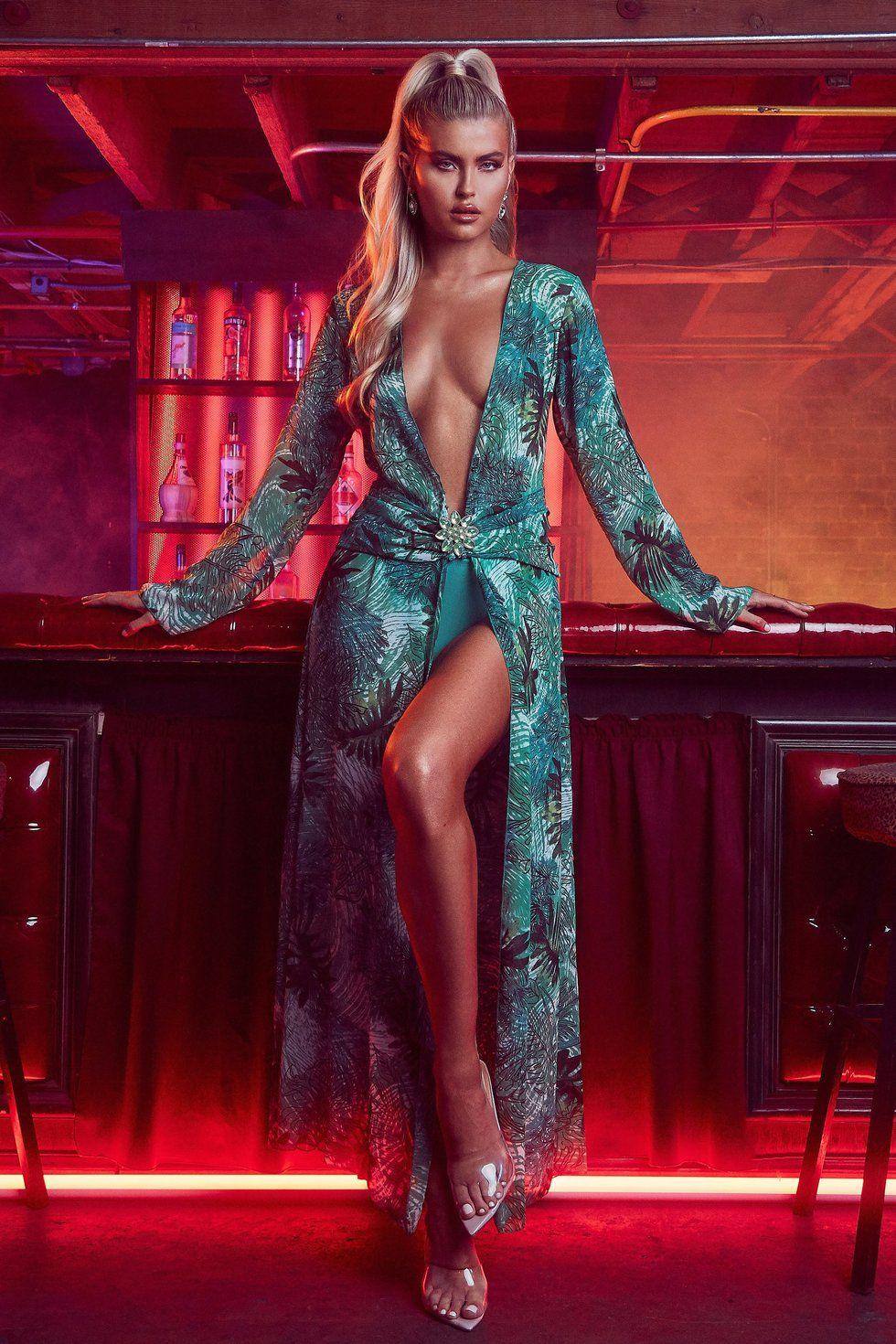 disfraz halloween jennifer lopez vestido grammys versace