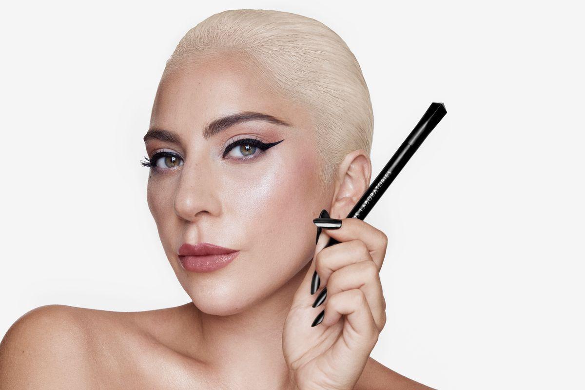 You Need Lady Gaga's Eyeliner