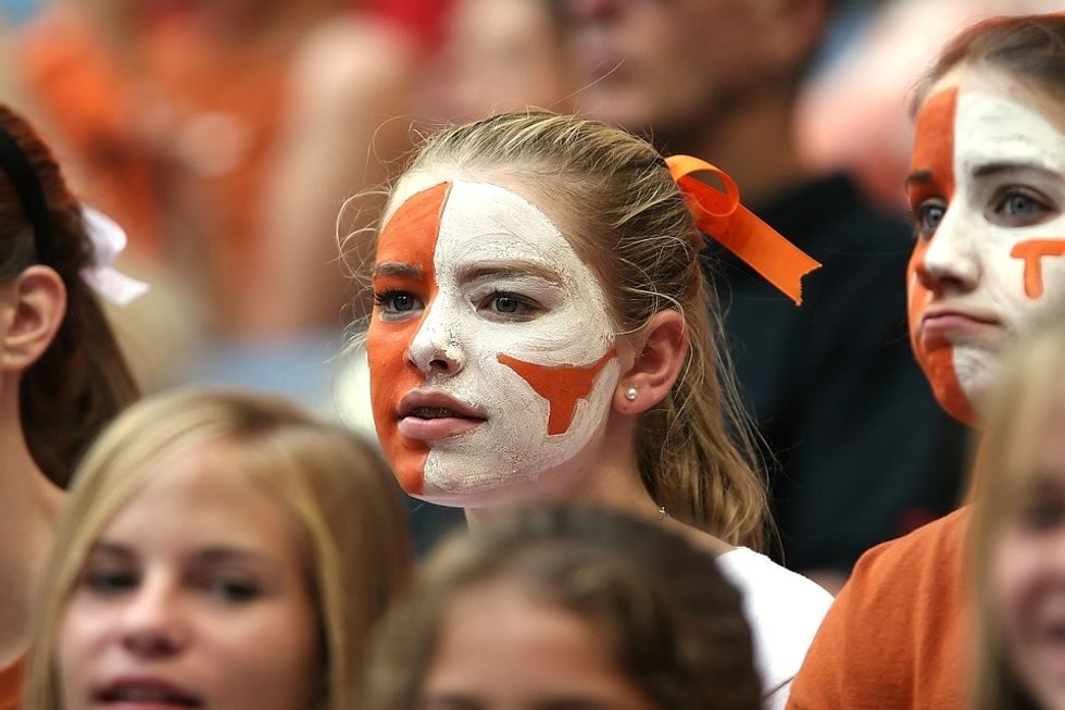 7 Flags That Get Thrown When You're The Girl Who Loves Football More Than Most Guys