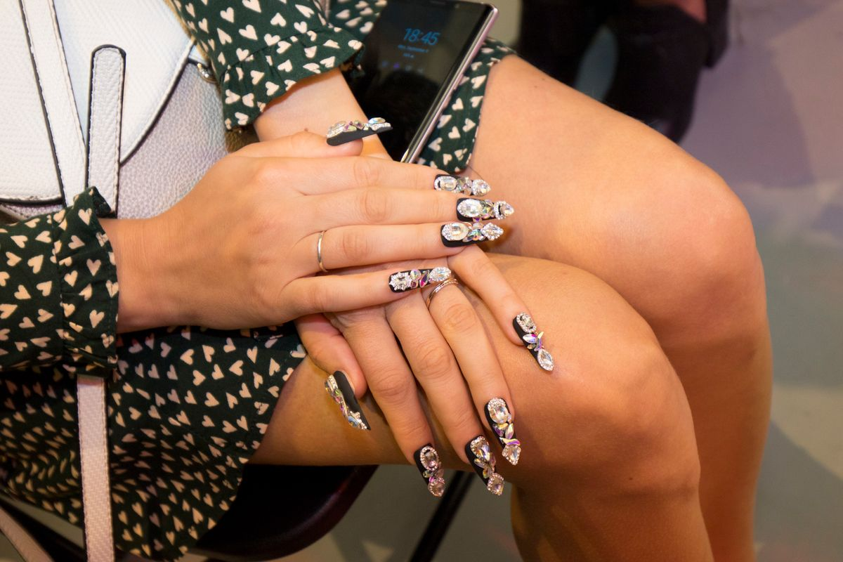What To Know Before Trying Blingy Nails