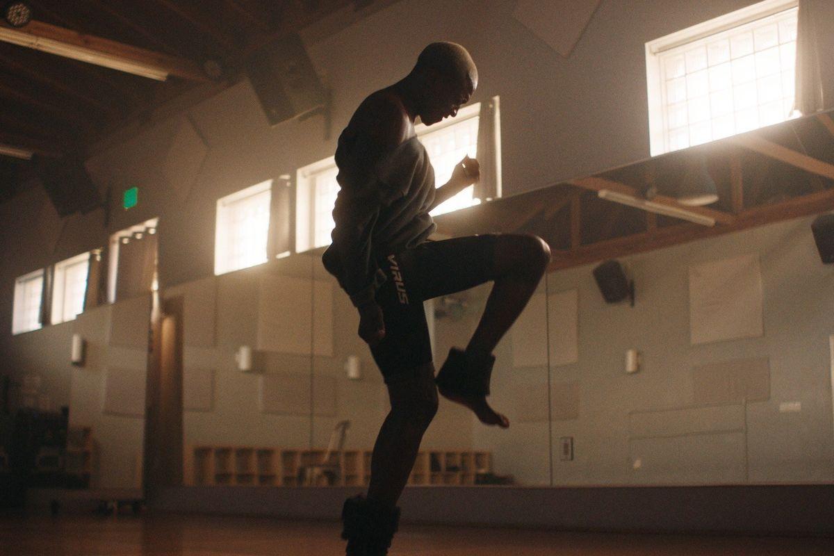 VINCINT Goes Full 'Flashdance'