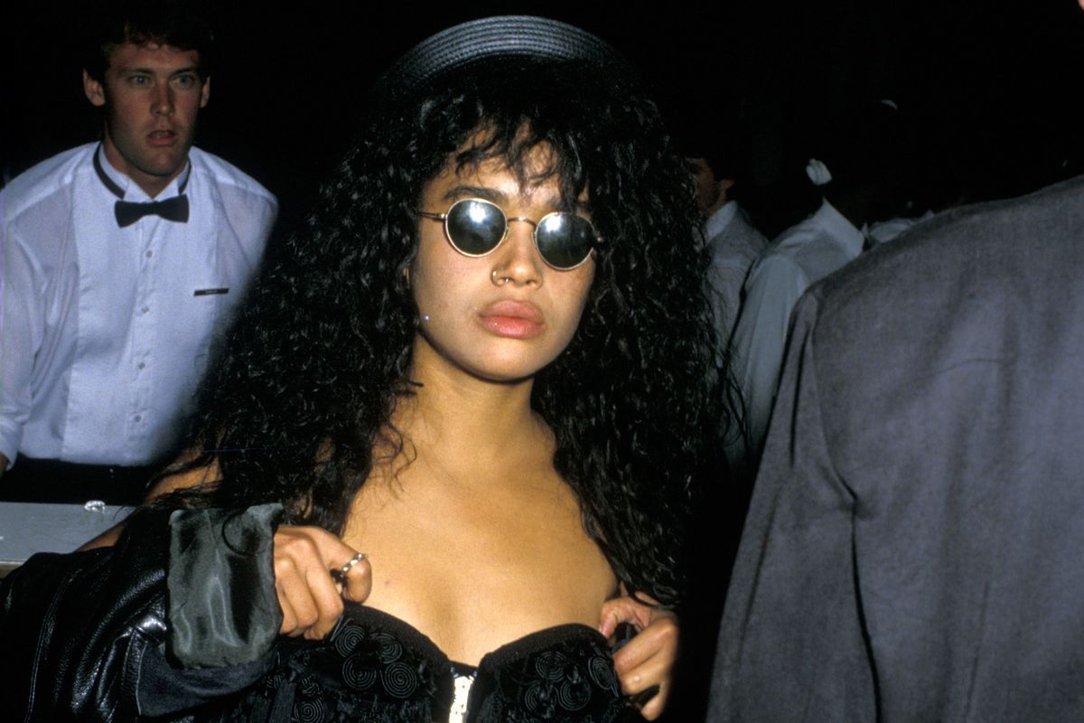 See Beyoncé Cosplaying as Lisa Bonet