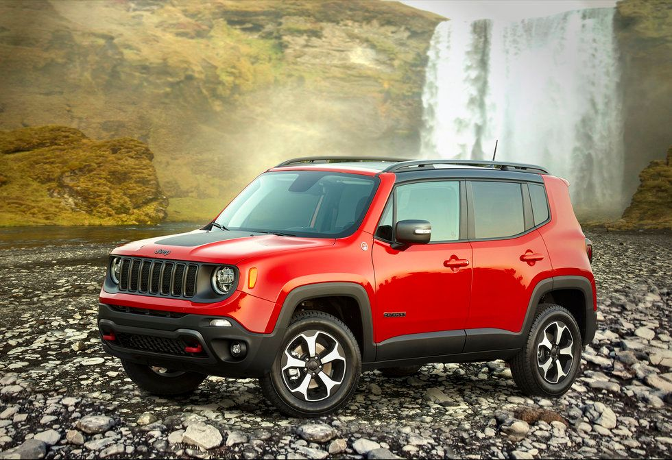 2020 Jeep Renegade Trailhawk exterior red off road off-roading