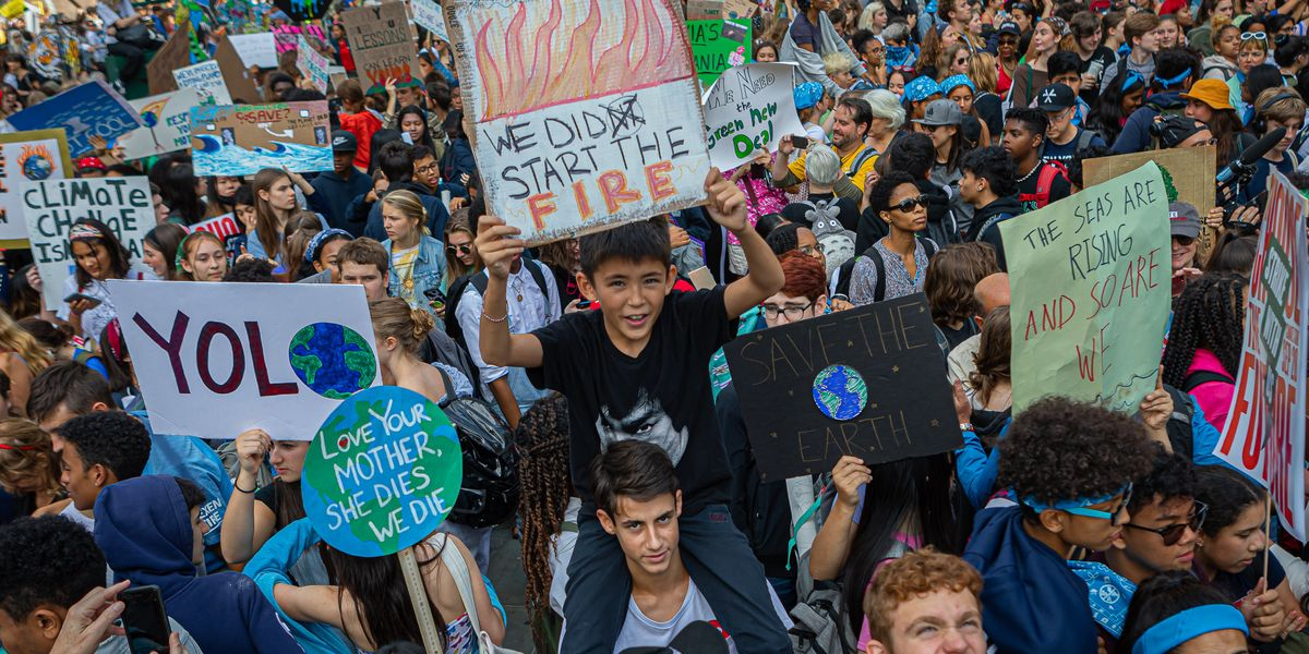 A Fake Climate Strike Photo Makes Its Rounds Online