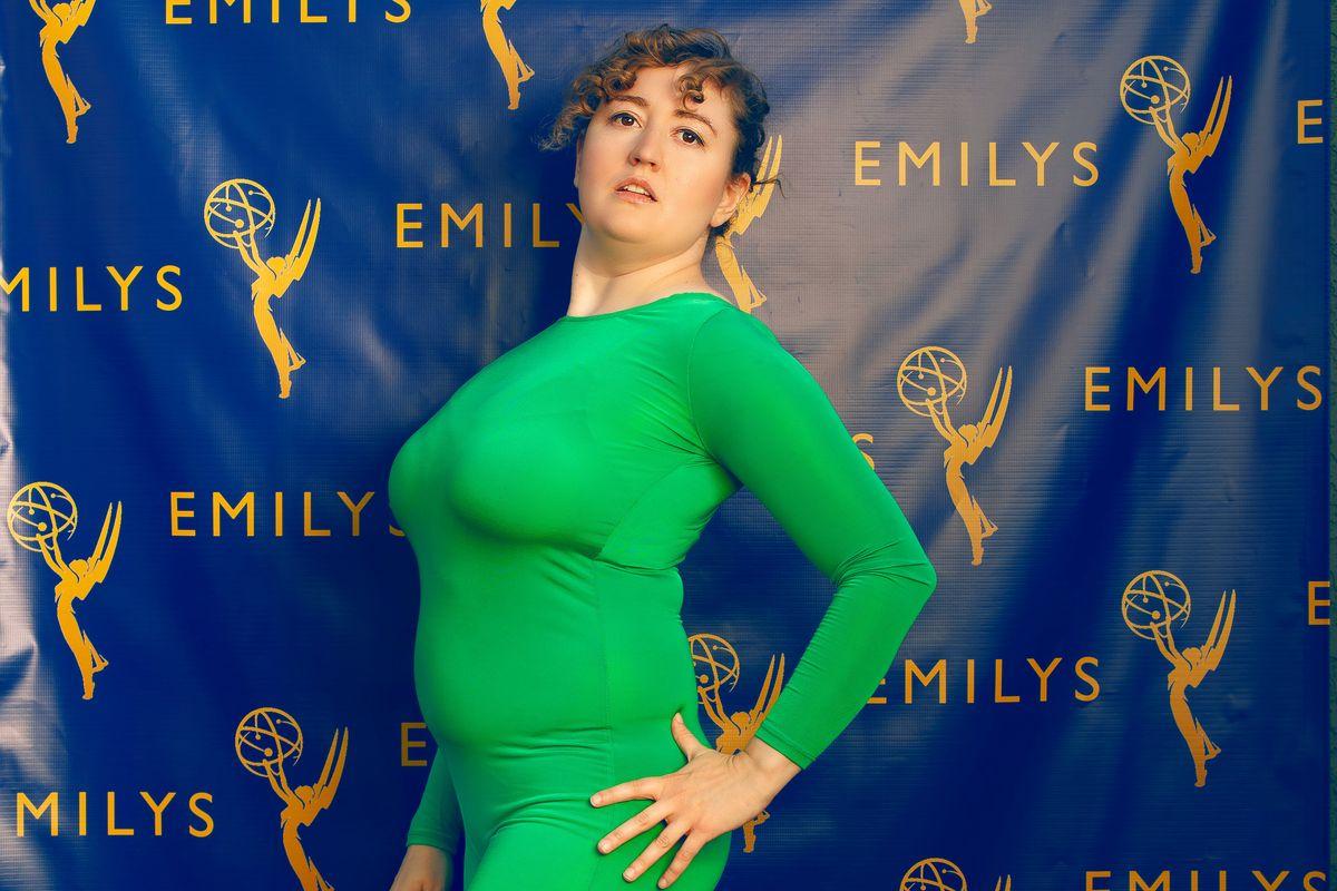 Emily Heller Lets Twitter Dress Her for the Emmys