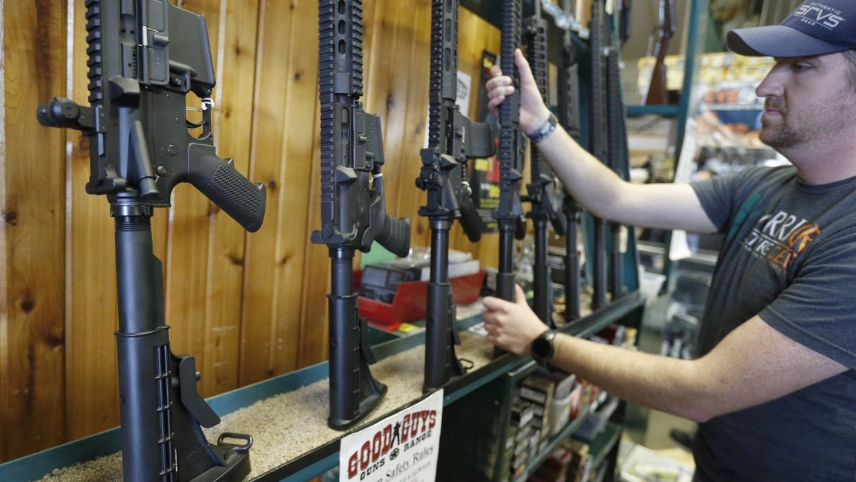 South Carolina dealership will give car buyers an American flag, a Bible, and an AR-15