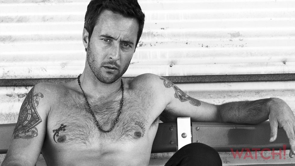 Alex OLoughlin of Hawaii Five 0 shirtless with tattoos
