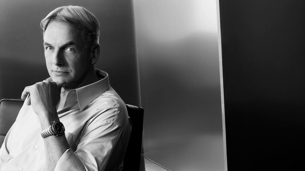 Mark Harmon in black and white photo