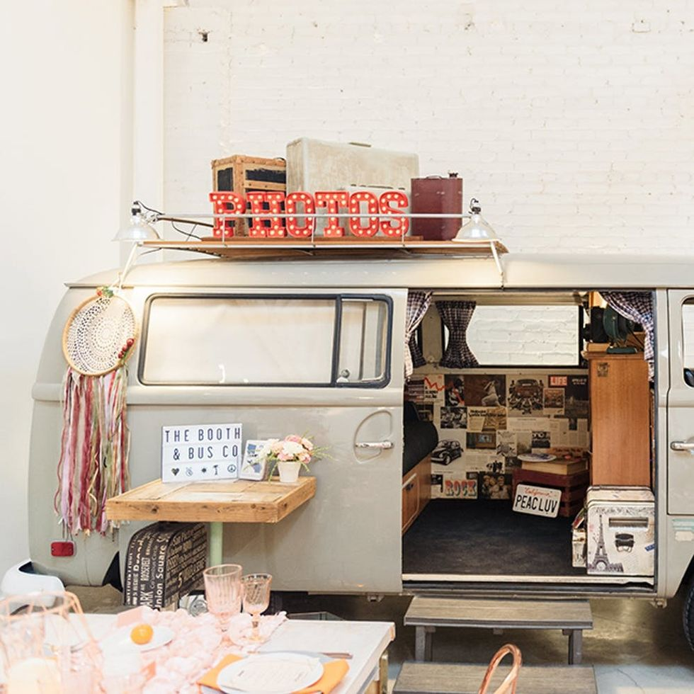 8 Amazing Trailers You Can Rent for Your Wedding