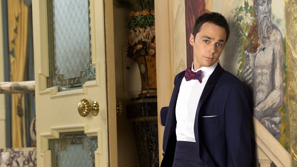 Jim Parsons of The Big Bang Theory in tuxedo with bowtie and cumberbund