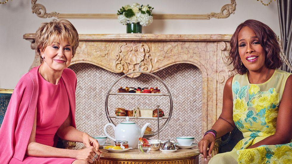 Jane Pauley and Gayle King of CBS Sunday Morning and CBS This Morning drinking tea