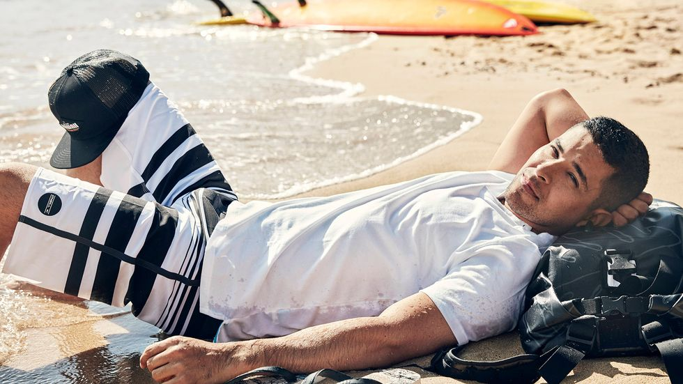Wilmer Valderrama relaxes on the beach