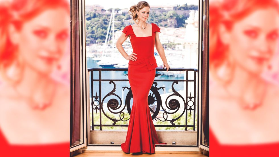 A.J. Cook looking sophisticated in red gown