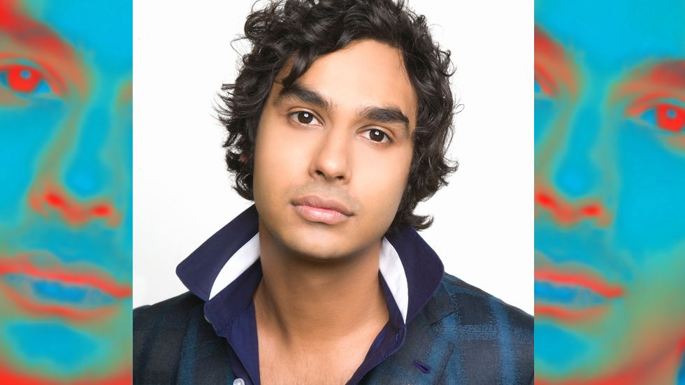 Kunal Nayyar looking handsome in blue collared shirt